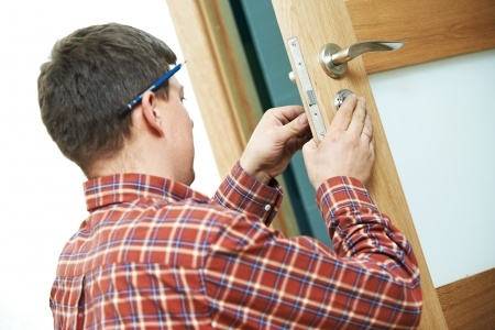 Finding a local Locksmith - A handy guide